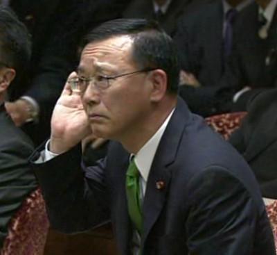 201204111党首_谷垣02