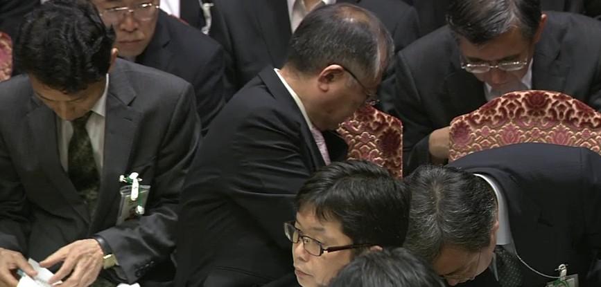 20120613西田_農水事務方大慌て
