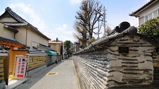観音寺の築地塀.jpg