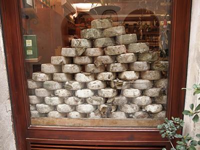 ピエンツァのチーズ屋