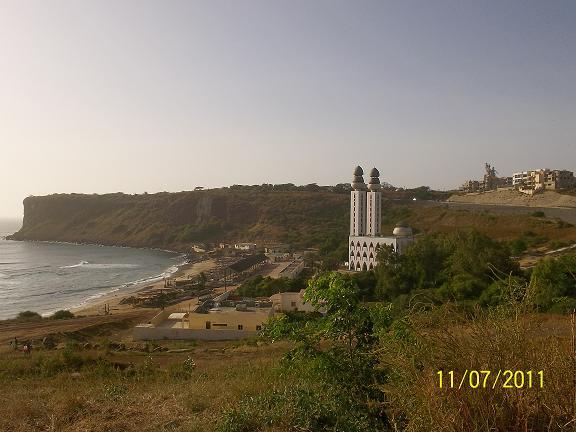 モスク・海岸・銅像