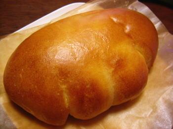 セシルのクリームパン。