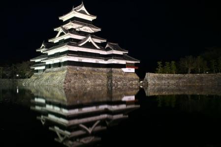 夜の松本城800