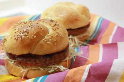 バンズパンでハンバーガー