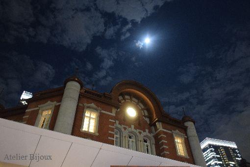 031-東京駅満月