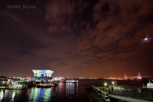 030-横浜港-月