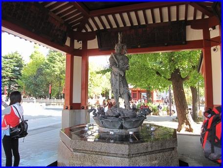 asakusa-2011-1125-6.jpg