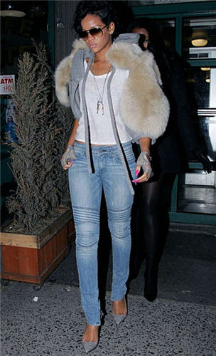 rihanna-and-vintage1-motorcycle-zipper-skinny-jeans.jpg