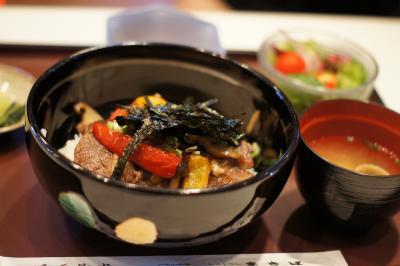 六甲山牧場 食事カルビ丼