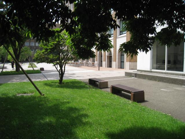 学習院大学 021