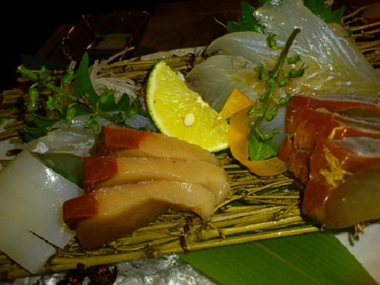 魚肴 お造り.jpg
