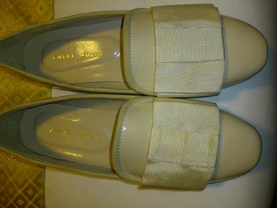 アイボリー 靴