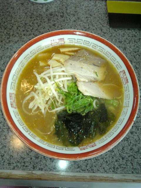ベトコンラーメン光福亭「味噌ラーメンの調整3」