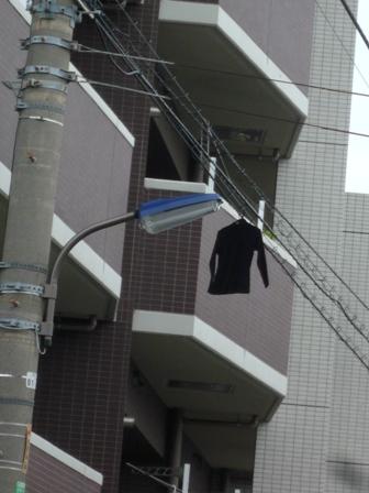 電線に洗濯物