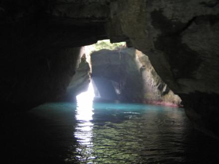 天窓洞窟内からの写真