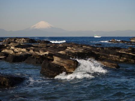 諸磯崎より相模湾挟んで富士山