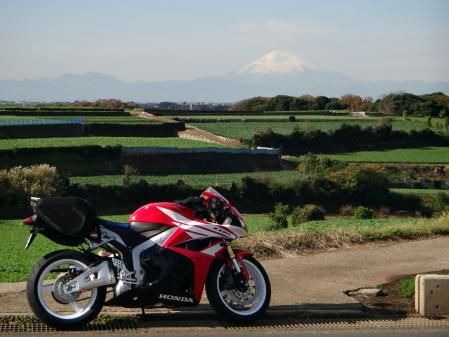CBRと大根畑と富士山と