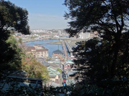 江の島大橋側
