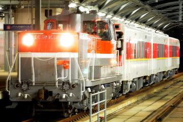 MR-600甲種輸送_夜(1)