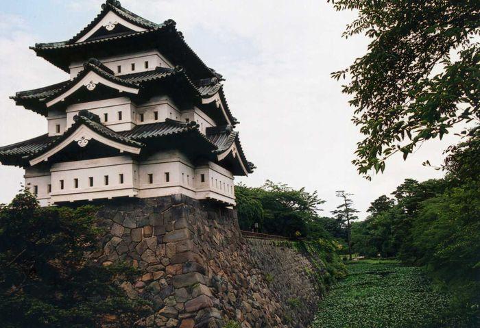 12-2-8-1弘前城2007-8