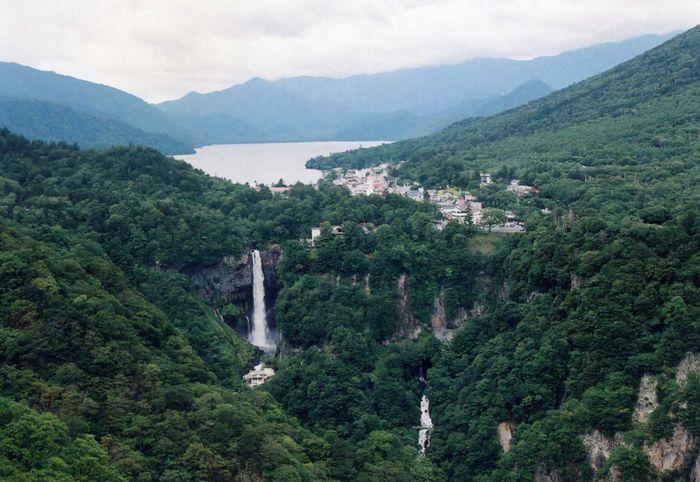 12-2-9-3中禅寺湖と滝