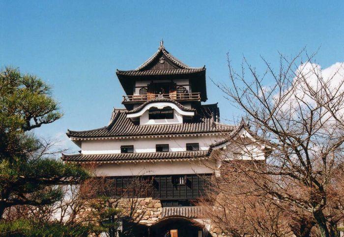 12-2-13-1犬山城国宝2008-2