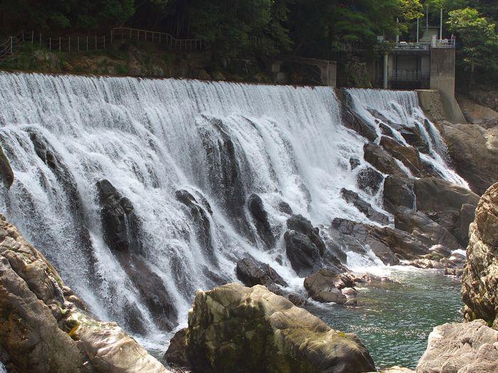 12-8-29-1長篠ダムの滝