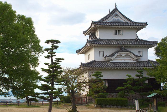 12-9-5-1丸亀城