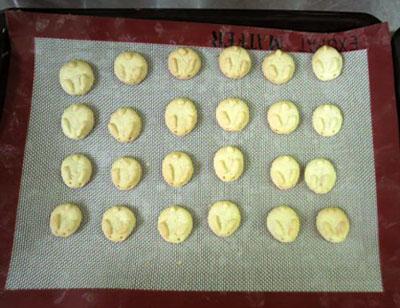 ウサぴなクッキー(焼成後)