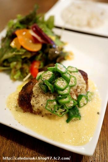 happy field cafe◇重ね煮野菜のハンバーグ オクラと山芋のとろとろソース