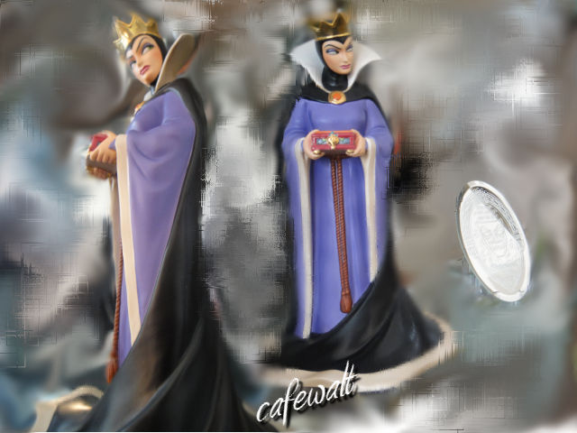WDCC Evil Queen and Magic Mirror (from 1997 DL)