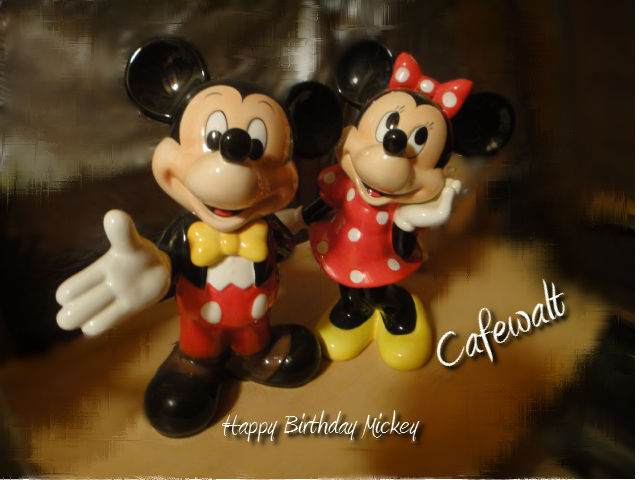 Mickey and Minnie Figurine TDL
