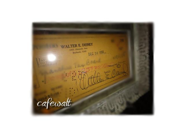 walt autgraph in cafewalt