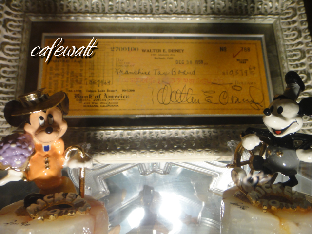 Walt Signed Check & Mickey(Ron Lee)