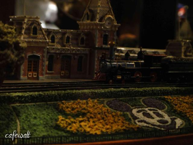 Disneylandstation(olszewski)