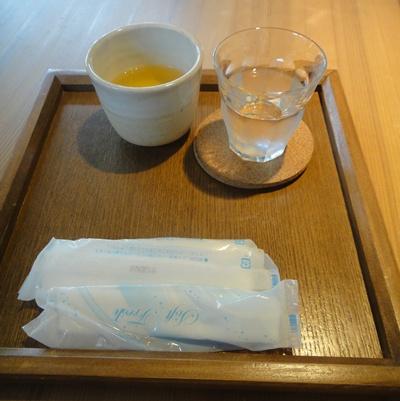 くるみ お茶と水