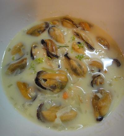 p ムール貝のサフランソース