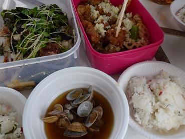 lunch120503.jpg