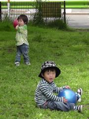 Ryushinとボール遊び1