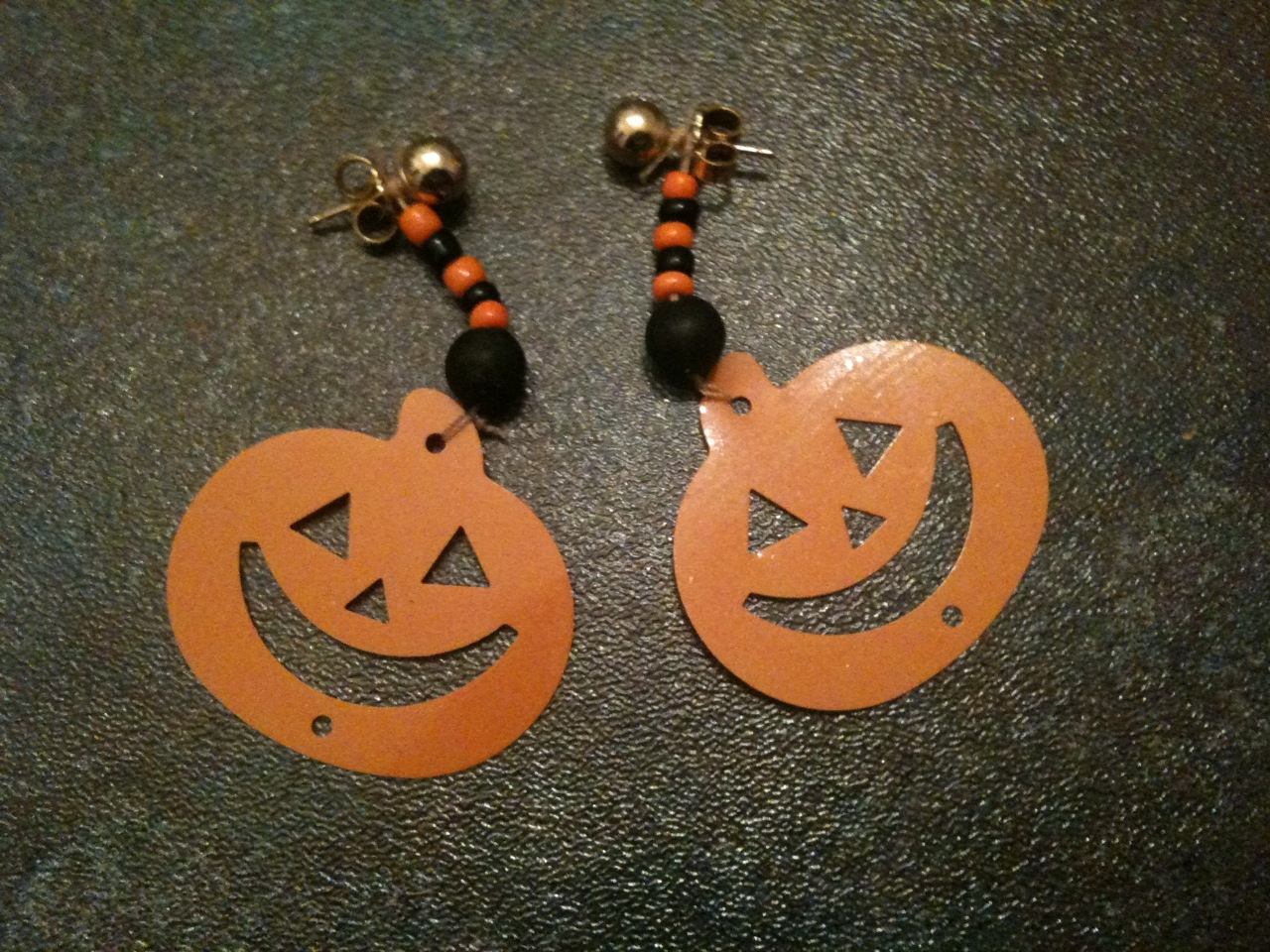hallloween_earrings.jpg
