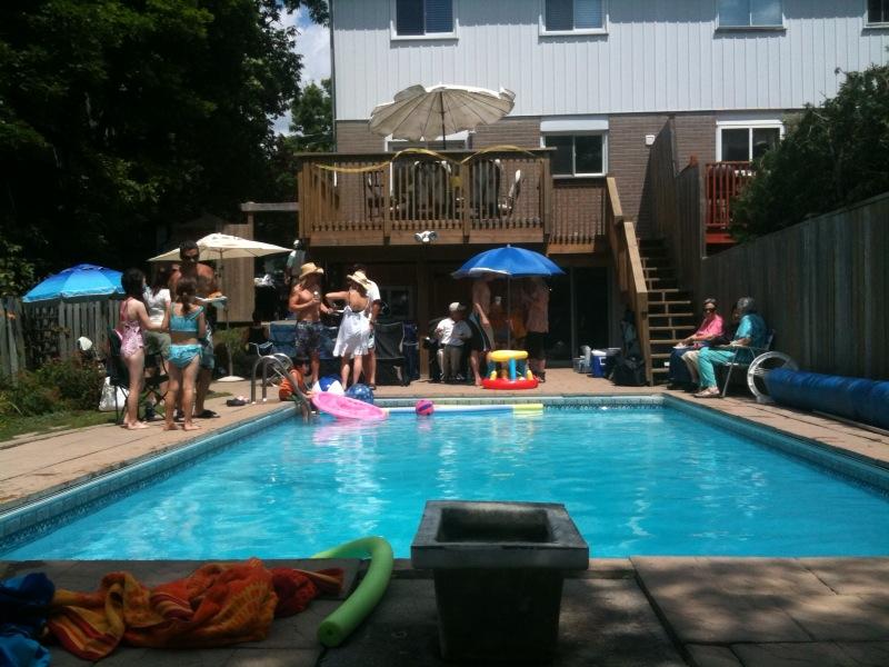 pool_20100719121000.jpg
