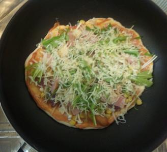 普通のピザ1