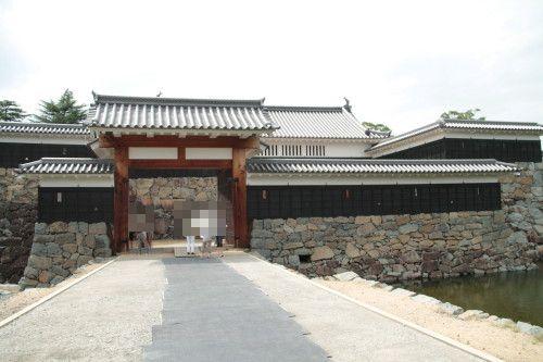 太鼓門枡形と二の門(高麗門)