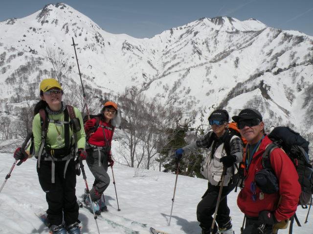 10 ついに1701mの稜線に到達、焼山・火打山のグレイトビュー