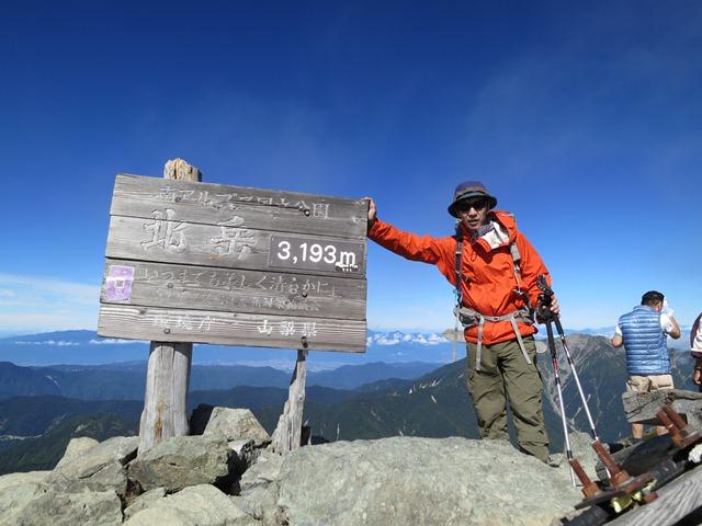 011北岳山頂