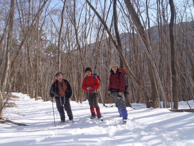 08小菅への下山、最後まで雪山を楽しめました