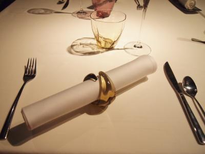 テーブル(ライラ)