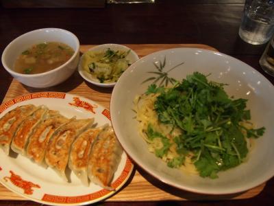 定食(タイガー餃子会館)