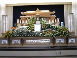 鎮西ホール祭壇2