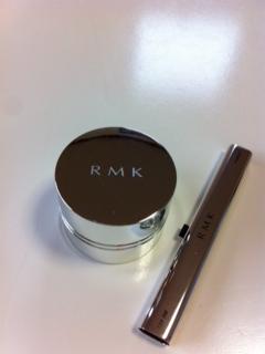 RMK ダスティブライトアイズ外観